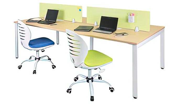 フリーアドレステーブル 設置例(FAD-2412:フリーアドレステーブル)