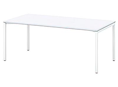 シャープなテーブル
